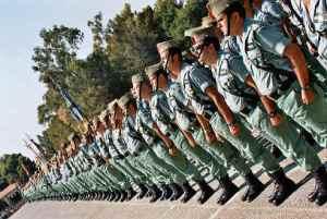 ¿Es necesario llevar el pelo rapado al cero en el ejército profesional moderno español?