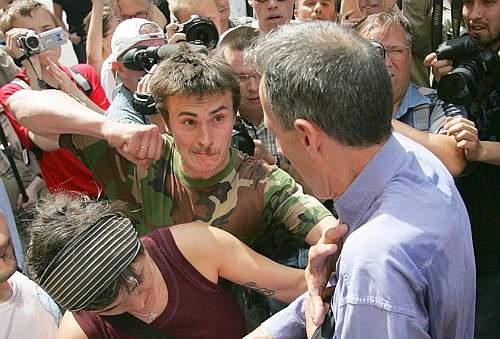 Agresión a Peter Tatchell en el Orgullo Gay 2007 en Moscú